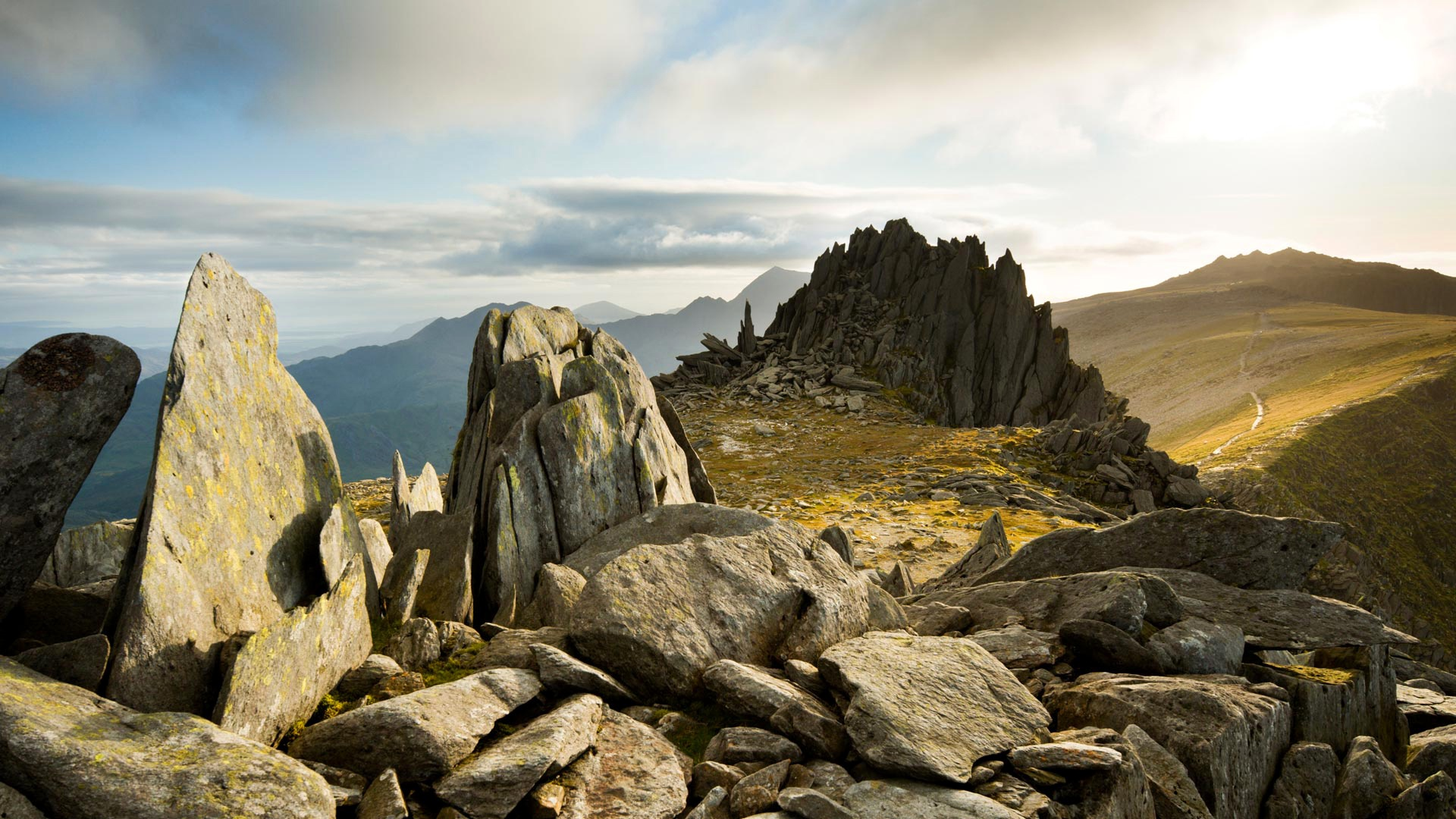 Камни в горах картинки