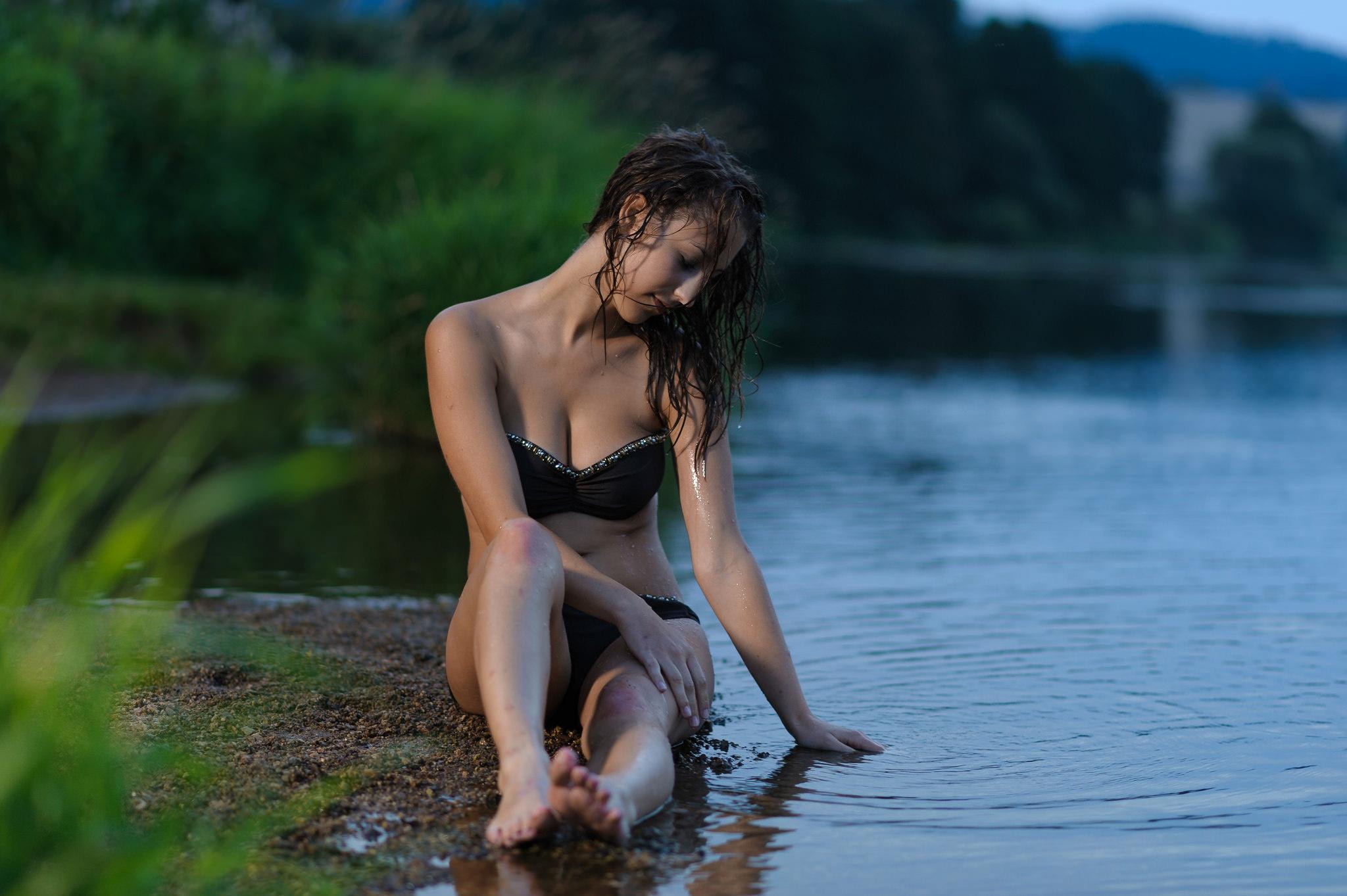Эротика от искушенной девушки на речке  587186
