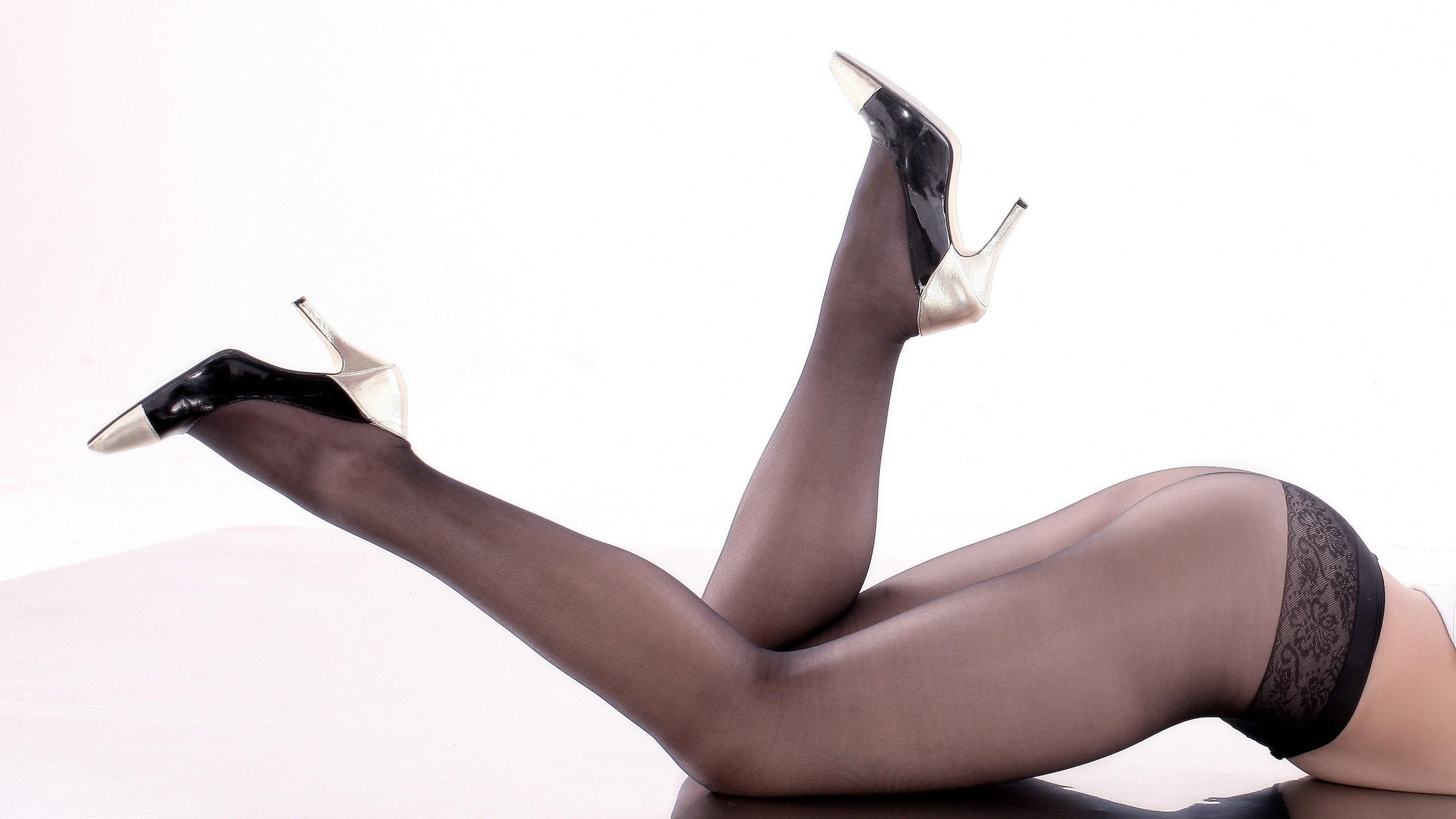 сексуальные ноги в колготках - 6