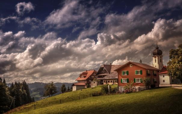 Фото обои трава, облака, деревья, горы, поля, дома, обработка