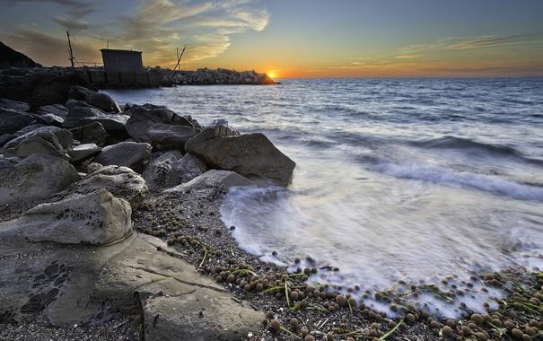 Фото обои закат, камни, берег, море