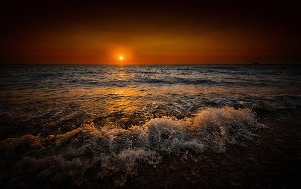Фото обои море, солнце, закат, берег, прибой, зарево
