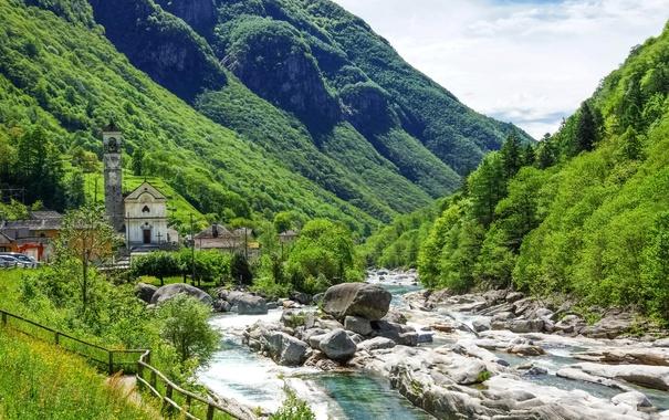 Фото обои зелень, лес, лето, солнце, облака, деревья, горы