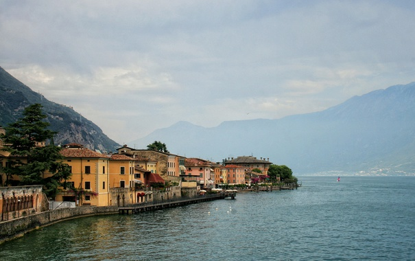 Фото обои море, горы, Италия, Gargnano
