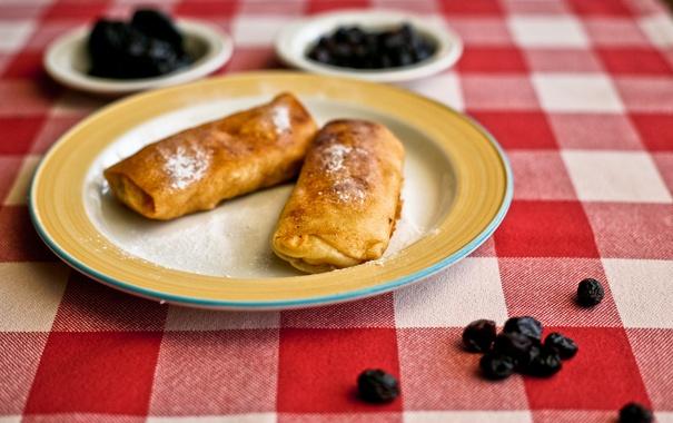 Фото обои стол, ягода, тарелка, блины, десерт, скатерть, масленица