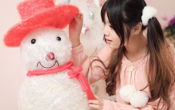 Фото обои лицо, волосы, игрушка, снеговик, косы