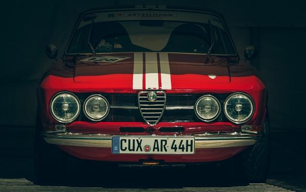 Фото обои красный, гараж, Alfa Romeo, передок