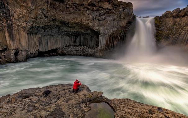 Фото обои река, человек, водопад