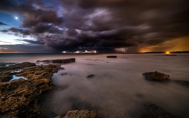 Фото обои море, тучи, молнии