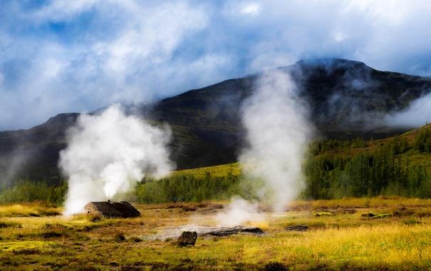 Фото обои трава, горы, дым, поля, домик, Исландия, кусты