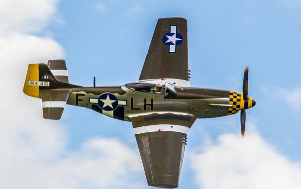 Фото обои небо, облака, полет, самолет, Mustang, истребитель, американский