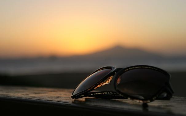 Фото обои море, рассвет, очки
