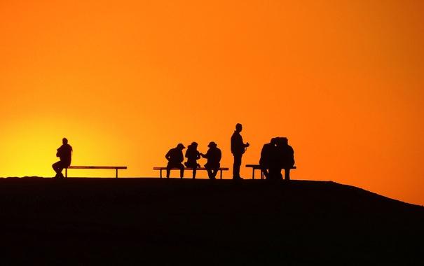 Фото обои закат, люди, беседа, небо, скамья