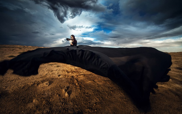 Фото обои небо, девушка, череп, платье