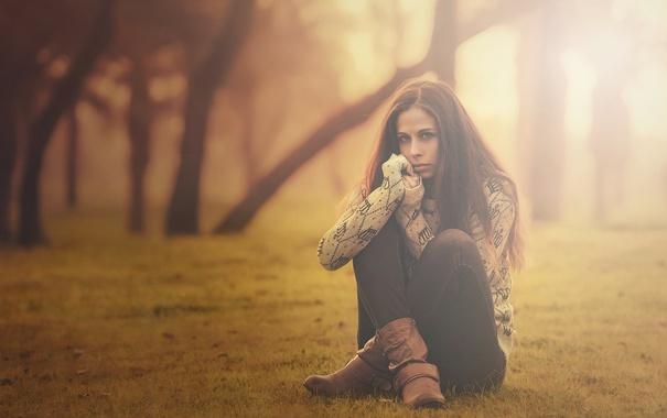 Фото обои холод, осень, девушка, деревья, туман, парк, Одиночество