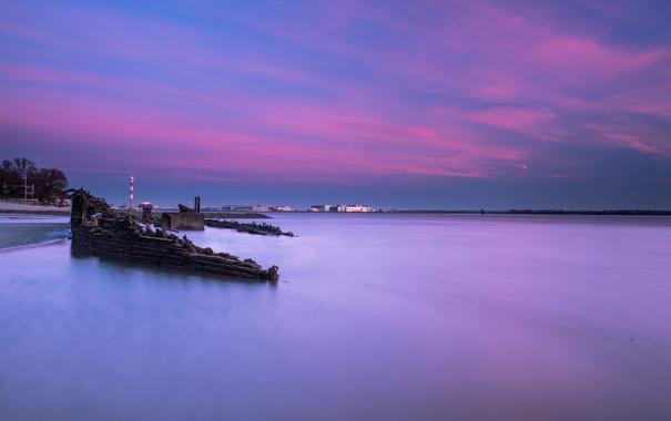 Фото обои море, небо, облака, закат, маяк, дома, остов