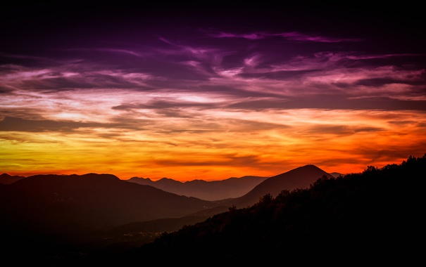 Фото обои зарево, небо, вечер, склон, горы