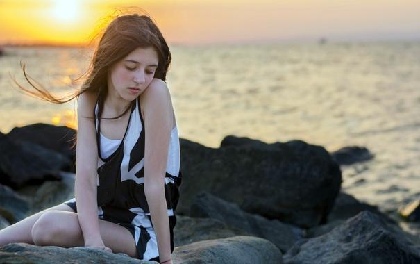 Фото обои море, девушка, закат