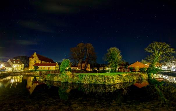 Фото обои деревья, пейзаж, ночь, огни, река, дома, канал