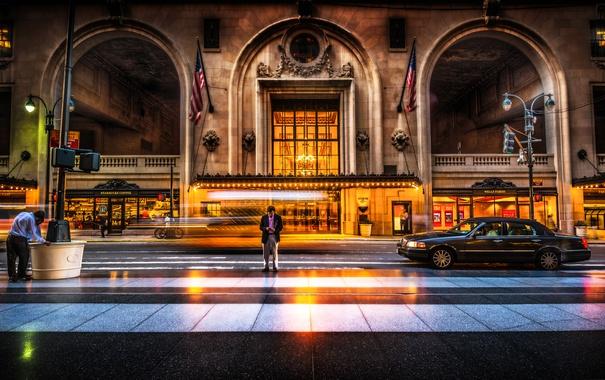 Фото обои улица, мужчина, США, автомобиль, пешеход, New York, злание