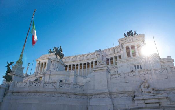 Фото обои небо, лучи, Рим, Италия, скульптура, площадь Венеции, Витториано