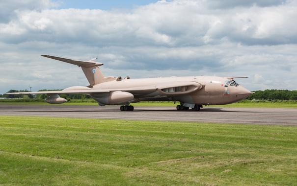 Фото обои Handley Page Victor, стратегический, реактивный, бомбардировщик, XM715