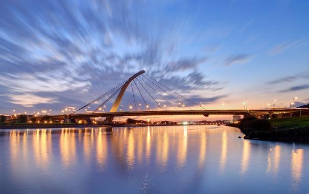 Фото обои небо, облака, закат, мост, город, огни, вечер