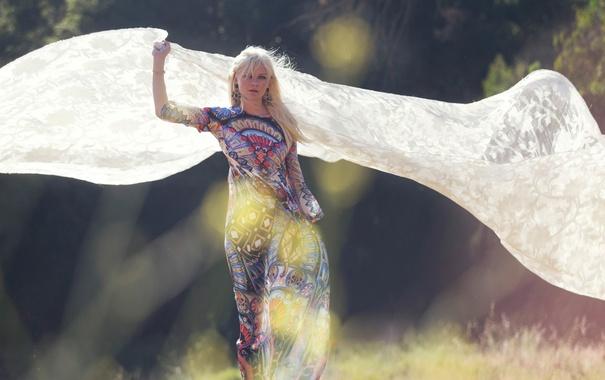 Фото обои солнце, блики, Kirsten Dunst, модель, фигура, платье, актриса
