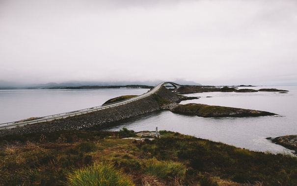 Фото обои bridge, lake, fog, hills, islets, rainy