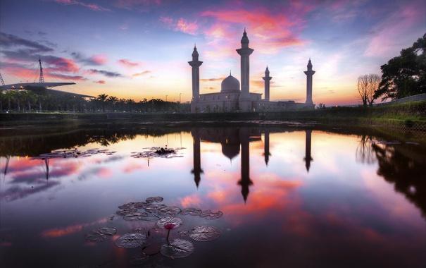 Фото обои пейзаж, озеро, рассвет, здание, архитектура, Kuala Lumpur, Masjid Tengku Ampuan Jemaah
