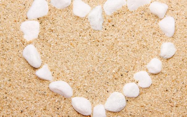 Фото обои песок, море, пляж, сердце, камешки