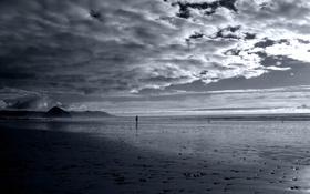 Обои песок, море, облака, человек, фигура, сопки