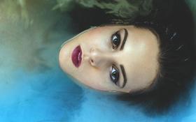Картинка вода, девушка, лицо, макияж, брюнетка