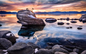 Картинка пейзаж, скала, озеро, камни, озеро Тахо