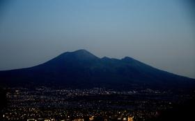 Картинка небо, ночь, огни, Италия, Неаполь, Везувий