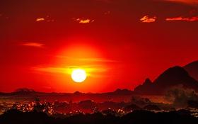 Обои море, волны, солнце, закат, горы, зарево