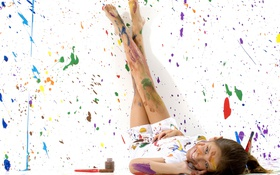 Картинка цвета, девушка, радость, детство, улыбка, стены, краски