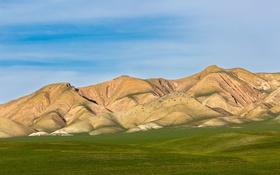 Картинка трава, небо, поле, горы, облака