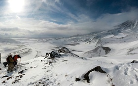 Обои зима, снег, горы, спорт, экстрим, скалолазы