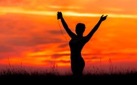 Картинка девушка, закат, музыка, танцует