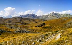 Обои небо, трава, облака, горы, камни