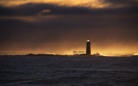 Обои ocean, sunset, wave, lighthouse