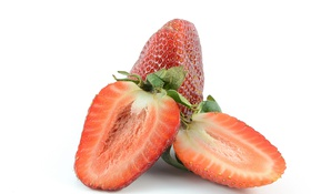 Обои клубника, ягоды, strawberries, slices, дольки, berries