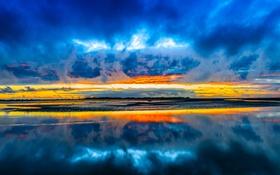 Обои небо, облака, тучи, озеро, отражение, зарево