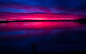 Обои небо, озеро, отражение, берег, сумерки