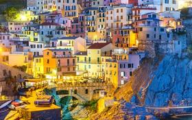 Картинка огни, скалы, краски, дома, Италия, Манарола, Чинкве-Терре