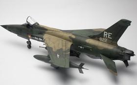 Обои игрушка, истребитель-бомбардировщик, моделька, F-105D