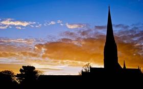 Картинка закат, облака, деревья, церковь, силуэт, небо