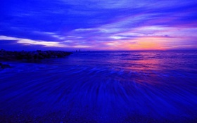 Обои зарево, отлив, вечер, берег, облака, небо, море