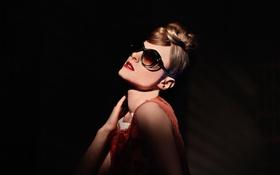 Картинка лицо, очки, автор, певица, балерина, Kiesa Rae Ellestad, Kiesza